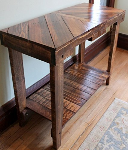 pallet wood sofa table for foyer or living room #palletprojects #diyhomedecor #homedecorideas #diycrafts #livingroomideas #farmhousedecor #rusticdecorideas #houseideas #bedroomideas