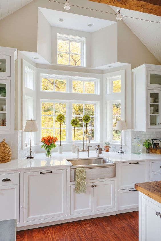 kitchen farmhouse sink and design idea