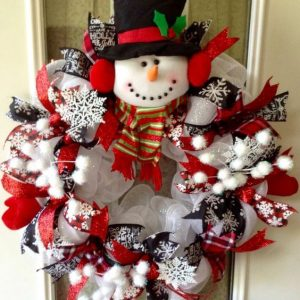 DIY Christmas wreath idea, unique snowman Christmas wreath