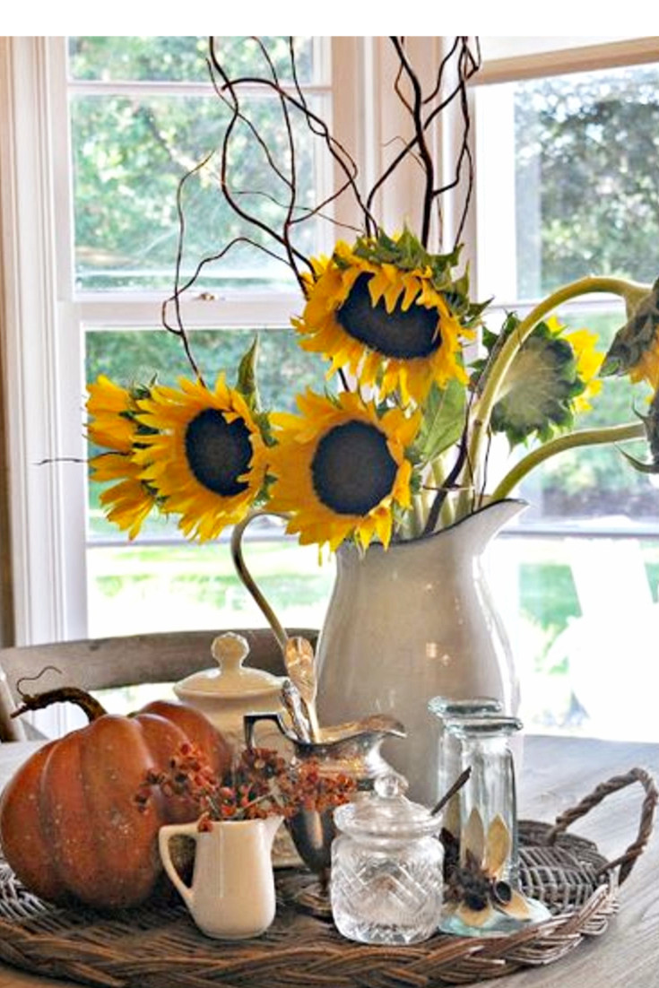 Beautiful White Farmhouse Kitchens Fall Decor Ideas