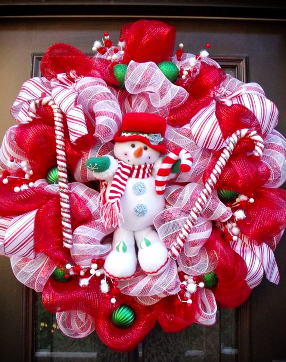 DIY Christmas Wreaths #christmascrafts #christmaswreathideas #diychristmaswreath #diyholidayideas #christmasdecor #christmasdecorations #christmasdiy #diycrafts #diyhomedecor