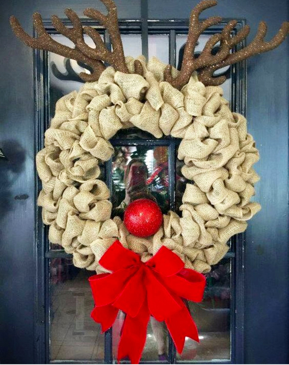 DIY Christmas Wreaths Ideas #christmascrafts #christmaswreathideas #diychristmaswreath #diyholidayideas #christmasdecor #christmasdecorations #christmasdiy #diycrafts #diyhomedecor
